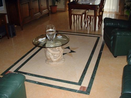 Pavimento e Mosaico in Silvia oro e Verde Guatemala